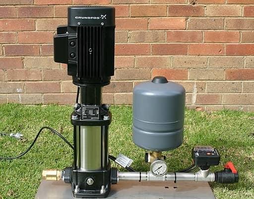 پمپ آب با منبع تحت فشار